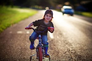 1030590_happy_augusto_with_his_bike_and_water_gun_4.jpg