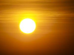 1089709_sun_in_smog.jpg