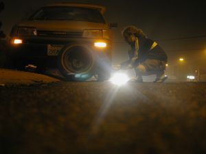 3496_changing_a_tire_at_night.jpg