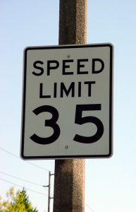 525627_speed_limit_35.jpg