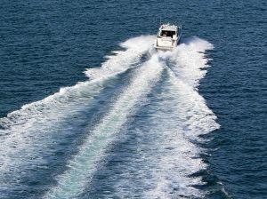 548713_boat_wake_2.jpg