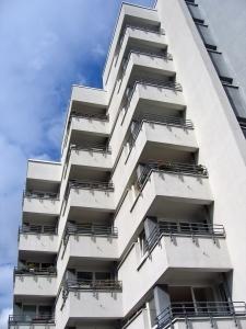 balconyskyscraper.jpg